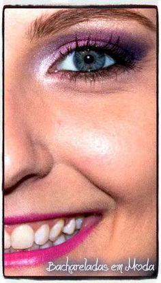Quem gosta de maquiagem rosa? A cor é super feminina e combina muito bem com todos os tons de pele, mas confesso que não sou muito fã, acabo sempre usando sombras douradas, azuis e verdes nas minhas maquiagens.  Porém uns tempos atrás a Mi resolveu testar essa cor em mim, e no fim acabei amando. Espero que gostem também  Besos Cá!