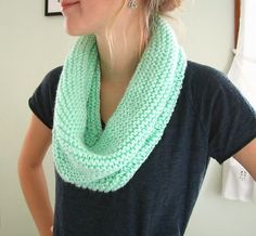 wiseknits: Free Pattern: Mint Circle Scarf-Bernat Baby Solids worsted, double stranded