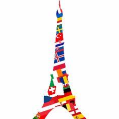 Europa Eifelturm - Der Pariser Eifelturm aus Fahnen von vielen Europäischen Ländern die zur Fußball Europameisterschaft in Frankreich 2016 mit dabei sind. An der Spitze steht die drapeau tricolore des Gastgeberlandes.