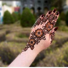 Latest Finger Mehndi Designs, Modern Henna Designs, Floral Henna Designs, Henna Tattoo Designs Simple, Stylish Mehndi Designs, Full Hand Mehndi Designs, Mehndi Designs Book, Mehndi Design Pictures, Mehndi Designs For Girls