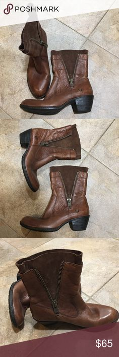 Born Boots in GREAT condition. Super Cute Born boots. I have only worn these a few times. They are in excellent condition. ❤️❤️❤️ inside size says 7.5 and euro 38.5 Born Shoes Ankle Boots & Booties