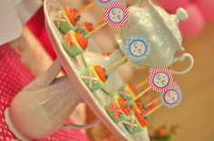 Alice in Wonderland #decor #table #gift  #girl  #sweet