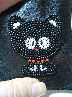 Gift presents: bead embroidery, kitty brooch tutorial, kids craft ideas ~ Craft , handmade blog