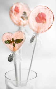 bellini petal lollipops / DIY