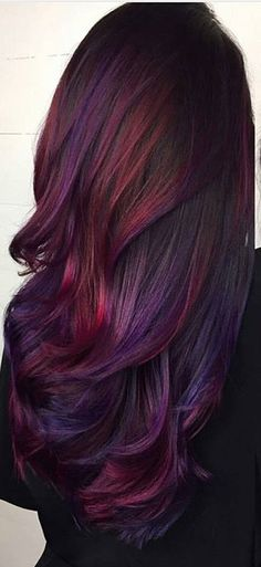 29 Dark Purple Hair Colour Ideas to Suit any Taste in 2019 – Hair Colour Style – Dyed Hair - Water Dark Purple Hair Color, Cool Hair Color, Purple Tips, Color Red, Burgundy Colour, Colour Colour, Dark Fall Hair Colors, Ombre Purple Hair, Curly Purple Hair