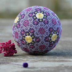 #temariball #embroideredball #embroiderydesign #interiordesign #decor #giftideas #handmade #flowers #roses #japanesecraft #handembroidery #roses #yellowrose #bordado #mandala #weddingdecor #weddingbells #weddinggift #bridalgift #roomdecoration #silkflowers #embroidery #etsylove #etsyfinds