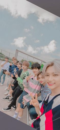 Stray Kids Seungmin, Felix Stray Kids, Cute Wallpapers, Cute Backgrounds, Boy Idols, Kids Board, Kids Wallpaper, Kpop Boy, Boyfriend Material