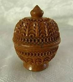 Carved 19th c. coquilla nut case thread, thimble holder.