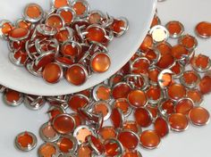12 Tangerine Pearl Snap 4 Part Prong Size 16 by hookedbykmorey
