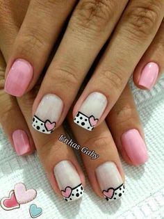 Blue is an elegant and always fashionable color: manicure enthusiasts cannot leave it aside for the next season! What are the most beautiful blue nail art? Nail Manicure, Toe Nails, Pink Nails, Nail Polish, Valentine Nail Art, Heart Nails, French Tip Nails, Nagel Gel, Cute Nail Art
