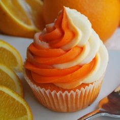 Dreamsicle – Orange flavored cupcake with an orange and vanilla cream cheese swirl frosting