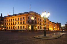 'Schloß,  Hessischer Landtag am Schloßplatz , Wiesbaden' von Torsten Krüger bei artflakes.com als Poster oder Kunstdruck $7.55