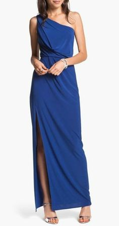 This classic cut dress is so elegant.