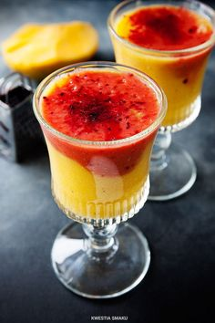 Dwukolorowe smoothie z mango