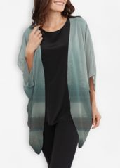Look and feel gorgeous in this sheer wrap made from eco-friendly Bemberg. Sustainable, smooth and comfortable, Bemberg is proof that you do not have to compromise quality for sustainability. Japanese Prints, Retro Chic, Kimono Top, Tunic Tops, The Originals, Purple, Blue, Sustainability, Eco Friendly