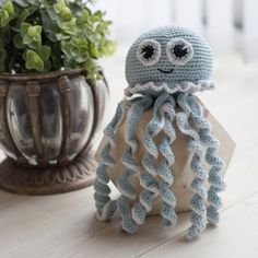 Posts about jellyfish written by josefinejeannette Crochet Bebe, Crochet Gifts, Crochet For Kids, Diy Crochet, Crochet Toys, Baby Knitting Patterns, Amigurumi Patterns, Amigurumi Doll, Doll Patterns