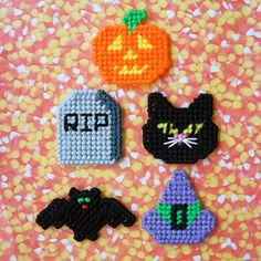 "Plastic Canvas: Halloween Fun Magnets (set of 5 -- bat, cat, witch hat, pumpkin and tombstone), ""Ready, Set, Sew!"" by Evie"