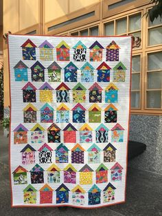 as a I spy quilt with animals. House Quilt Patterns, House Quilt Block, Scrappy Quilt Patterns, Scrappy Quilts, Pink Quilts, Colchas Quilt, I Spy Quilt, Quilt Blocks, Farm Quilt