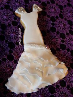 Vestido de novia con volantes #galletavestidonovia #galletasdecoradas #decoratedcookies #bridgedecoratedcookie