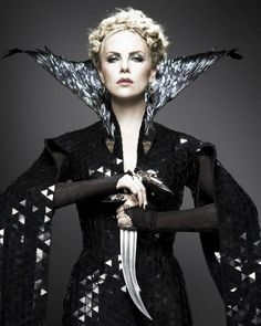 The Evil Queen Costume From Snow White and the Huntsman