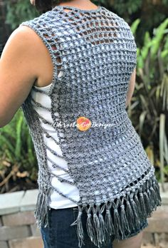 The Maglia Crochet Mesh Vest is a quick and easy pattern with video tutorials included for all sections. Tunisian Crochet Patterns, Crochet Vest Pattern, Crochet Tunic, Crochet Clothes, Crocheting Patterns, Crochet Sweaters, Crochet Granny, Magic Circle, Free Knitting