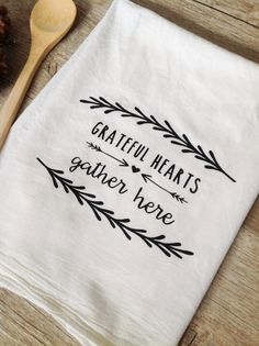 Its the perfect addition to your Thanksgiving kitchen - This festive AND cute, (1) printed Grateful Hearts dish towel!  100% Cotton, washable flour