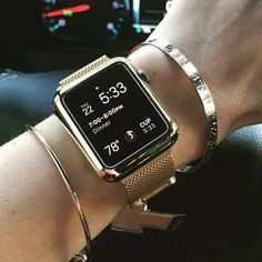 A great range of steel apple watch bracelets to suit every occasion Rose Gold Apple Watch, Best Apple Watch, Apple Watch Series 3, Apple Watch Bands Gold, Apple Band, Apple Watch Custom Faces, Apple Watch Faces, All Apple Products, Apple Watch Bracelets