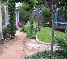 "adding in a ""lawnette"" to a lovely lawn-free backyard (with kids' play area)"