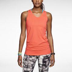 La Camiseta #Nike cuenta con tecnología DRI-FIT que te mantendrá fresca y libre de sudor durante tus actividades, ademas de un corte con movimiento amplio.