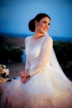 #wedding #weddingday #weddingphotography One Shoulder Wedding Dress, Wedding Day, Wedding Photography, Wedding Dresses, Fashion, Pi Day Wedding, Bride Gowns, Moda, Bridal Gowns