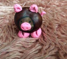 ein Schweinchen aus Kastanie und Knetmasse selber machen