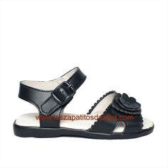 Sandalias Niña Azul Marino Dolce Sandals, Shoes, Fashion, Latest Fashion, Loafers For Women, Baby Shoes, Navy Blue, Blue Nails, Moda