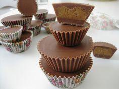 Σοκολατάκια γεμιστά με φυστικοβούτυρο
