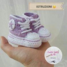 Come realizzare scarpine da neonato simil-converse a uncinetto, tutorial fotogra… How to make crochet-like baby boy crochet shoes, photo tutorial, easy crochet instructions to create … Crochet Baby Cardigan Free Pattern, Crochet Baby Jacket, Baby Girl Crochet, Crochet Baby Shoes, Baby Knitting Patterns, Crochet Converse, Crochet Baby Booties, Baby Boy Shoes, Baby Boots