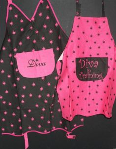 """Mommy and Me """"Diva"""" and """"Diva in Training"""" Aprons Set (2 items) - Amazon.com"""