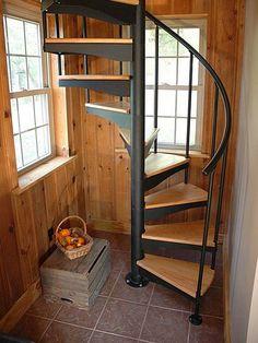 Металлическая-винтовая-лестница-своими-руками.jpeg 480×640 пикс