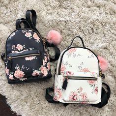 Find them 🔥🔥🔥🔥🔥 Cute School Bags, Tote Bags For School, Bags For Teens, Girls Bags, Fashion Bags, Fashion Backpack, Monkey Bag, Cute Suitcases, Cute Mini Backpacks
