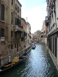 Venice Photos at Frommer's - A beautiful canal in Venice