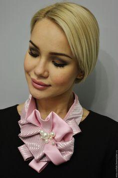 """Купить Украшение """"Лепесток сакуры"""""""" - бледно-розовый, розовый, розовый цвет, жемчуг, подарок"""