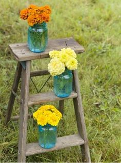 Outdoor end table | Living the Country Life | http://www.livingthecountrylife.com/homes-acreages/country-homes/14-ways-reuse-old-ladders/