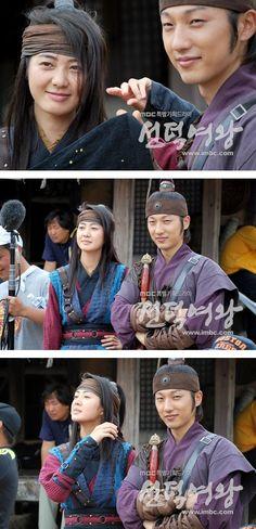 Korean Traditional, Traditional Outfits, V Bts Hwarang, Lee Yo Won, Empress Ki, Korean Dress, Moon Lovers, Drama Queens, Kdrama