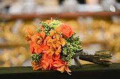 Resultado de imagem para buque de noiva laranja e amarelo