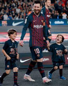 Lionel Messi Family, Fc Barcelona, Neymar, Leo, Football, Children, Sports, Tops, Baby