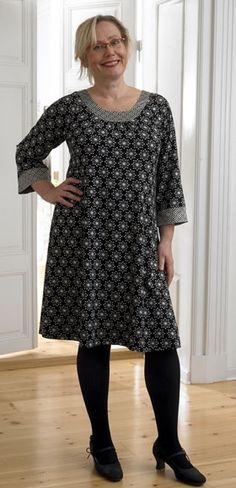 Kjolen til det hele Sewing Clothes Women, Clothes For Women, Simple Dresses, Plus Size Dresses, Clothing Patterns, Sewing Patterns, Simple Dress Pattern, Dressmaking, Plus Size Fashion