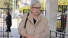 Μία από τις σπουδαιότερουςηθοποιούςτου ελληνικού κινηματογράφου, ηΞένια Καλογεροπούλουαποκάλυψε το σοβαρό πρόβλημα που αντιμετωπίζει με την όραση της. Όπως η ίδια αποκάλυψε, αναφερόμενη στην καραντίνα που βιώνουν λόγω κορωνοϊού οι Έλληνες, είναι κλεισμένη στο σπίτι της καθώς αντιμετωπίζει σοβαρό πρόβλημα όρασης. Δυστυχώς λόγω γλαυκώματος είναι έγκλειστη ενώ δεν μπορεί πλέον να διαβάσει, να γράψει ή να … Blazer, Jackets, Women, Fashion, Down Jackets, Moda, Fashion Styles, Blazers, Fashion Illustrations