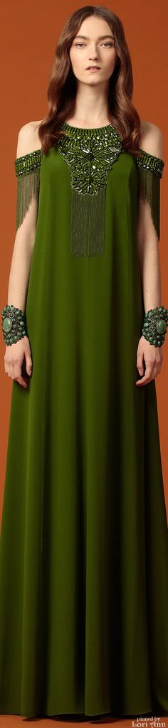 See the complete Andrew Gn Pre-Fall 2015 collection. Green Fashion, High Fashion, Fashion Show, Womens Fashion, Fashion Design, Traje A Rigor, Moda Casual, Women's Dresses, Kaftan
