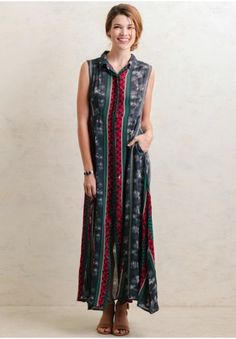 The perfect combination of romantic and rustic, this lovely maxi dress features a medley of floral prints in hues of navy, white, teal and burgundy.