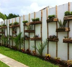 25 Ideas for exterior wall design ideas vertical gardens Jardim Vertical Diy, Vertical Garden Diy, Vertical Gardens, Vertical Planting, Vertical Farming, Bamboo Garden, Garden Art, Garden Design, Fence Garden
