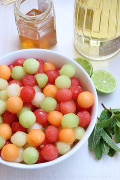Une sangria melon et sans alcool à réaliser à la maison...