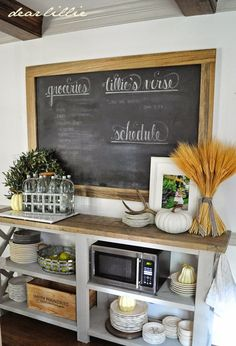 Love the black board in kitchen for to do shopping list